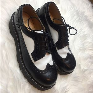 Vintage Dr. Marten Oxfords